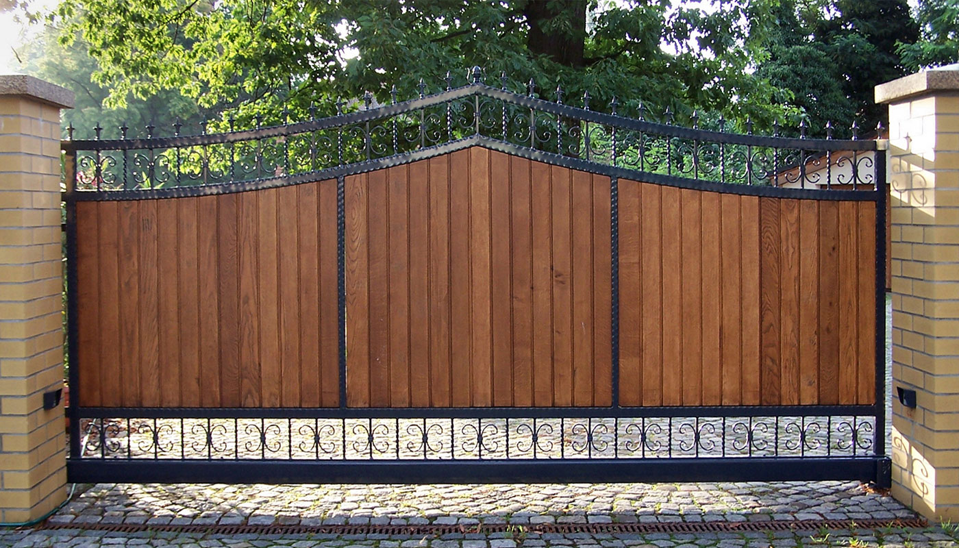 Electric Gates from Up and Over Doors Maidstone suppliers.