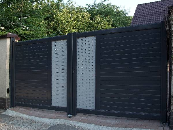Highly Secure Bespoke Electric Gates by EDM