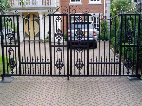 Metal Electric Gates Maintenance and Repairs